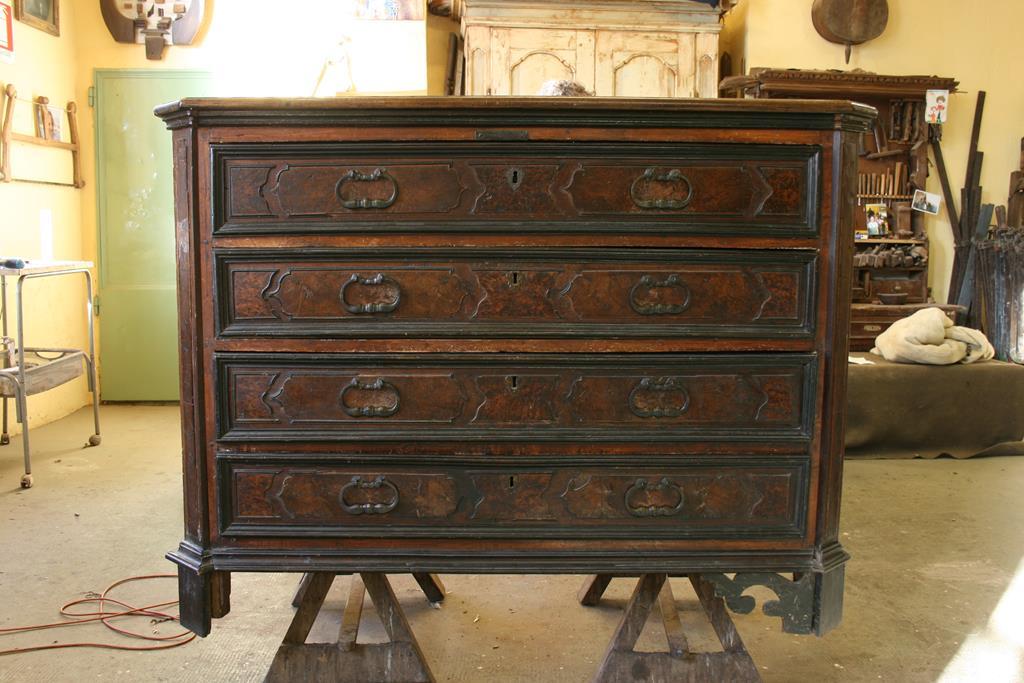 Mobili intarsiati-2 Canterano XVII-XVIII sec-1 Prima del restauro