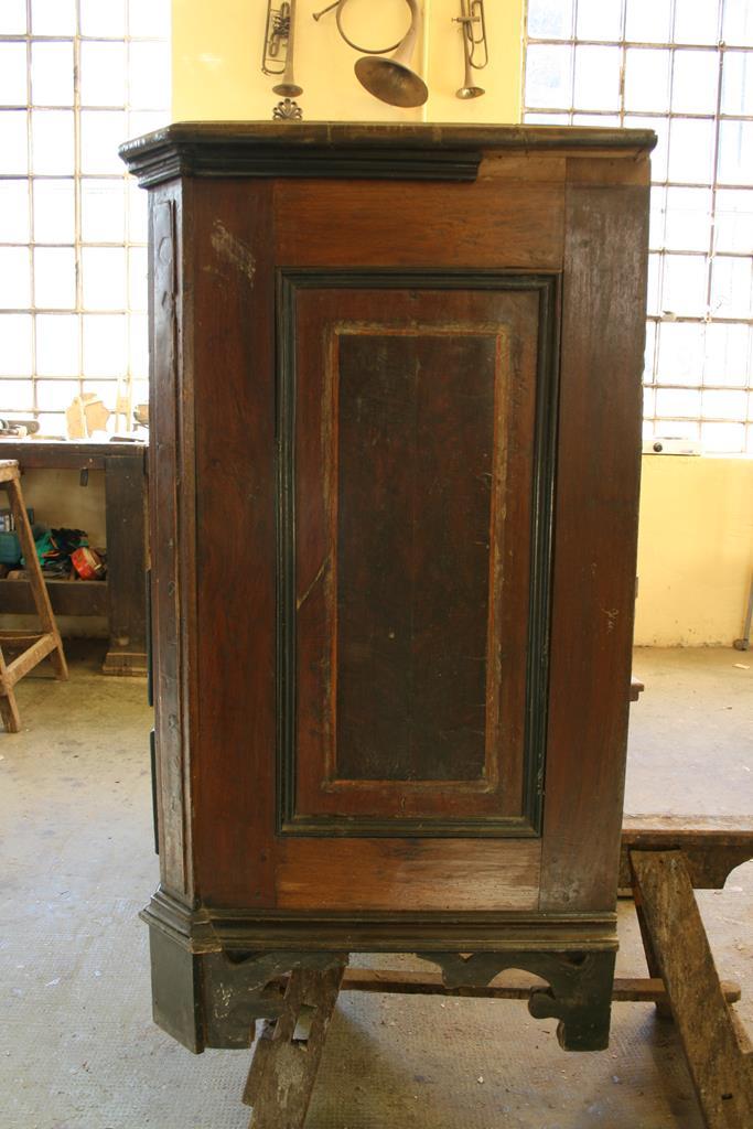 Mobili intarsiati-2 Canterano XVII-XVIII sec-2 Fianco prima del restauro
