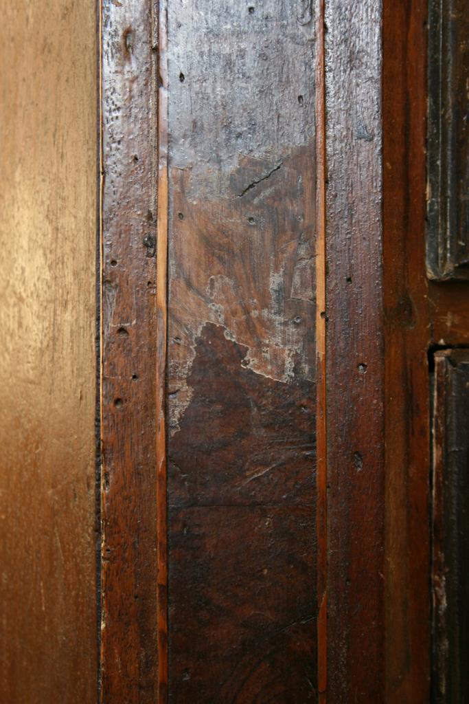 Mobili intarsiati-2 Canterano XVII-XVIII sec-4 Particolare prima del restauro