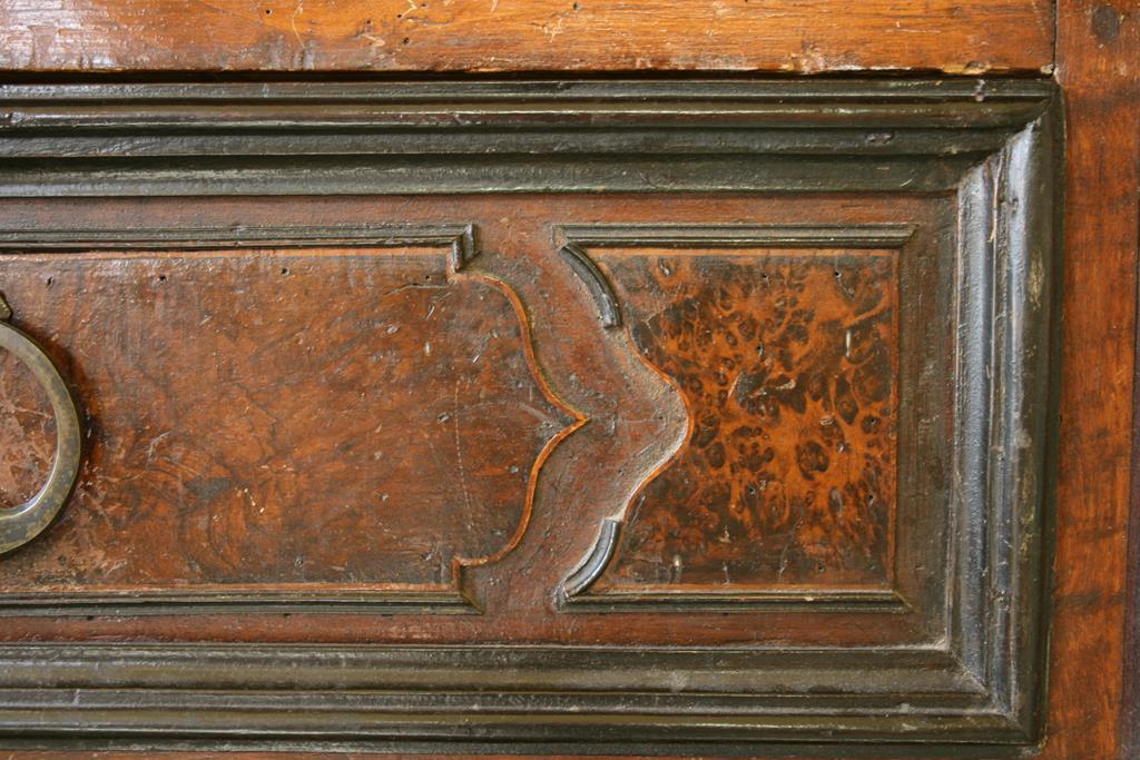 Mobili intarsiati-2 Canterano XVII-XVIII sec-6 Particolare lacune cornicette