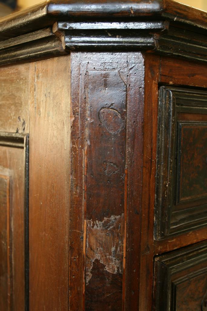 Mobili intarsiati-2 Canterano XVII-XVIII sec-8 Particolare prima del restauro