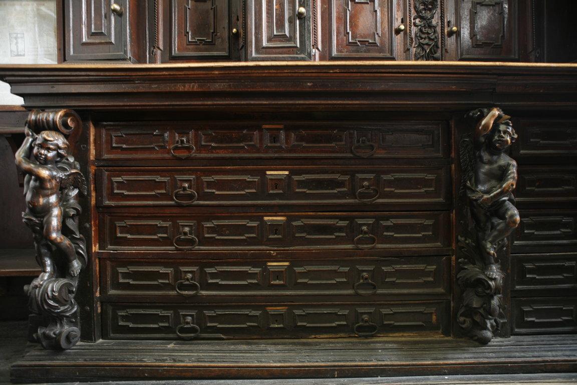 mobile prima del restauro