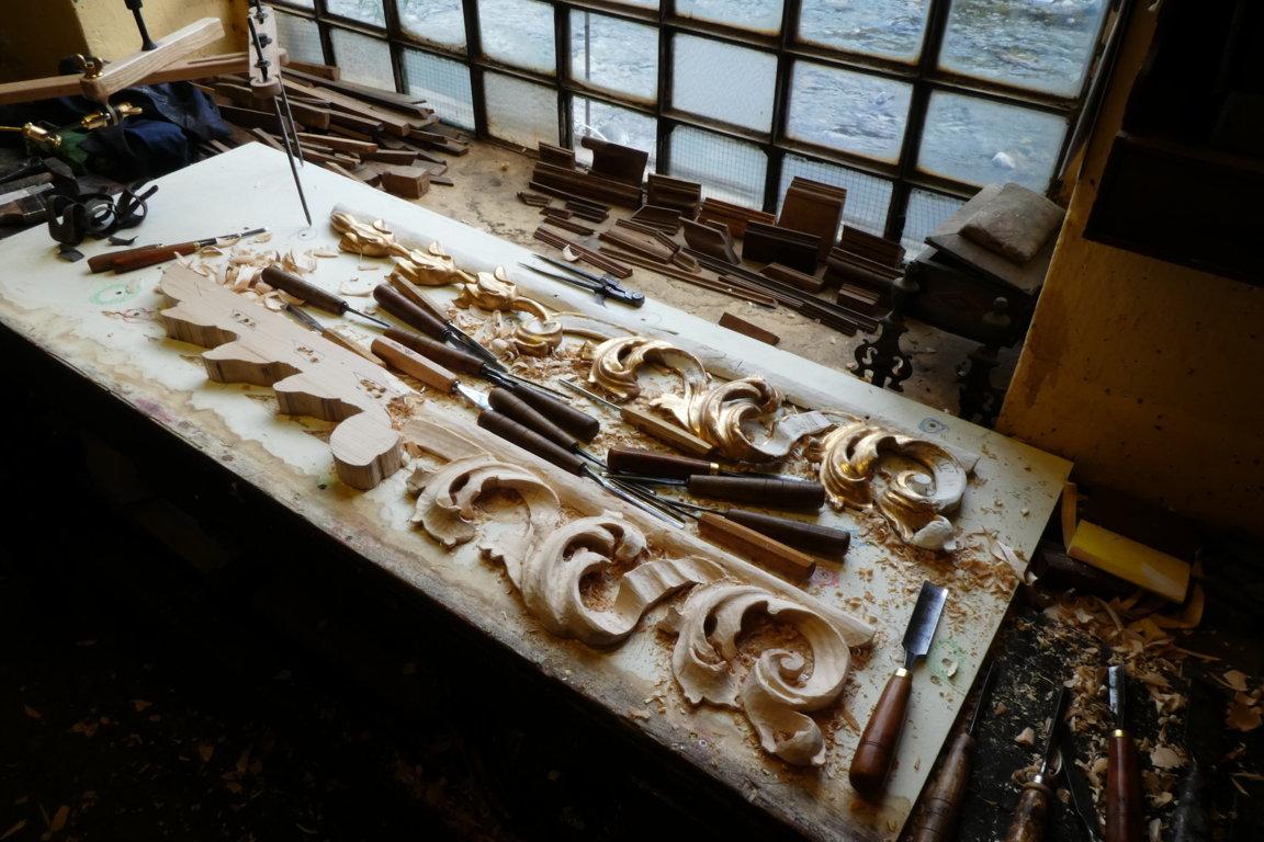 riproduzione fregi altare