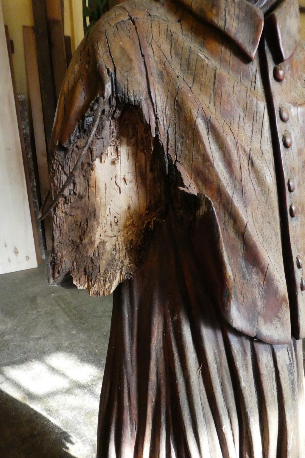 Braccio statua mancante