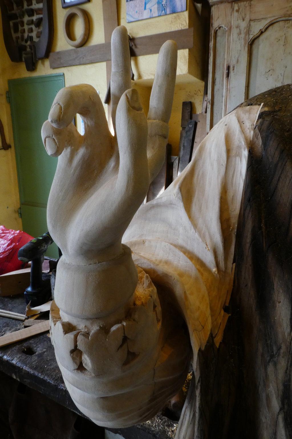 Braccio statua